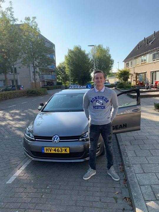 Michiel van Hees, alle stress is niet voor niets geweest! Je rijbewijs 1x binnen...